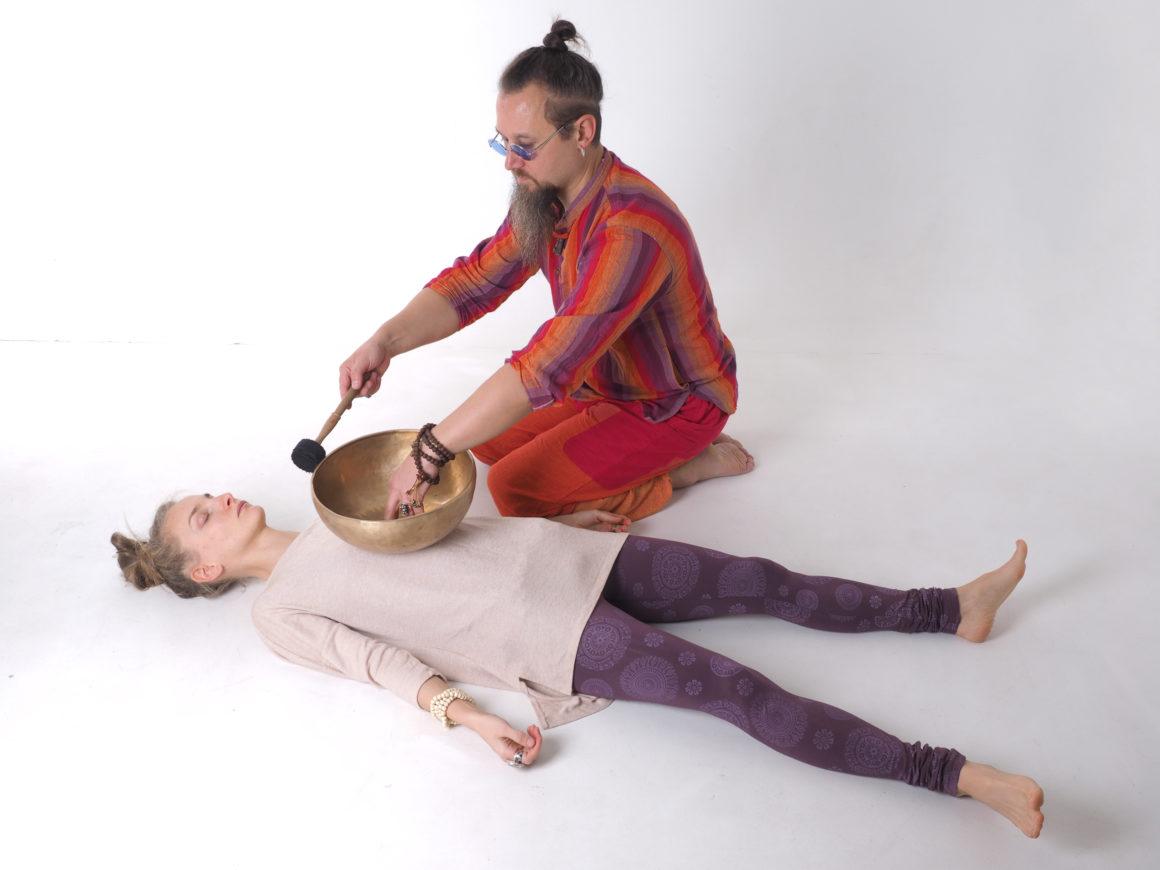 Виброаккустический массаж Тибетскими поющими чашами. Контактные методики